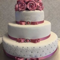 bryllupskake, rosa pynt.