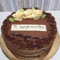 Vår bestselgende sjokoladekake som konfirmasjonskake.
