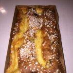 Rabarbarkake med vaniljekrem.
